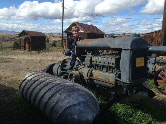 World Museum of Mining: Fordson Snow Machine