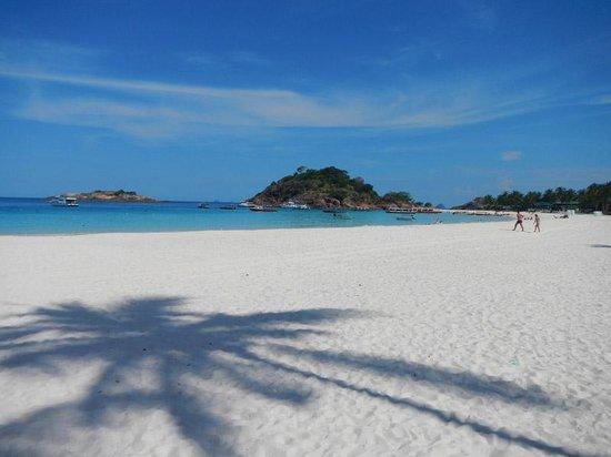 Sari Pacifica Hotel, Resort & Spa - Redang Island: The beach