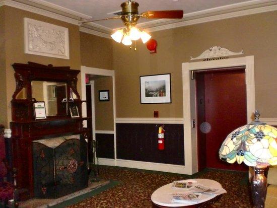 Inn at Jim Thorpe: The lobby at the Jim Thorpe Inn.