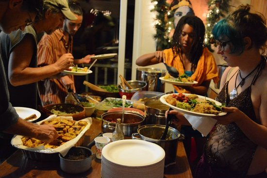 Bhakti Yoga Shack: Pot-luck thanksgiving Dinner