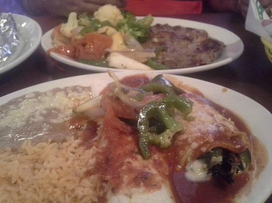 El Sombrero: Steak Meal & Combo platter with Chili Releno