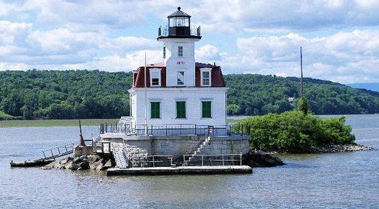 Hudson River Cruises, Inc. : Esopus Creek Lighthouse