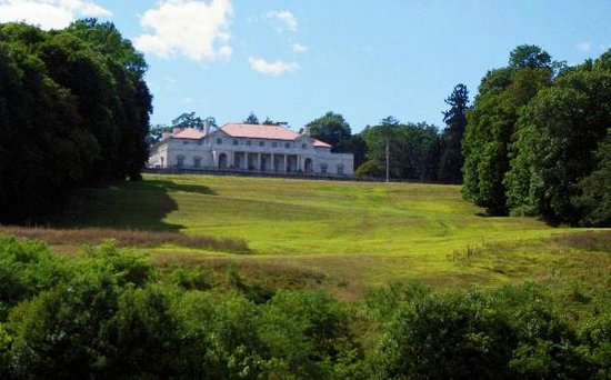 Hudson River Cruises, Inc. : This was the library of a former estate
