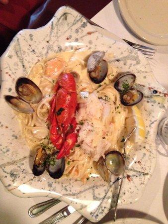 Silver Salmon Grille: Linguini.