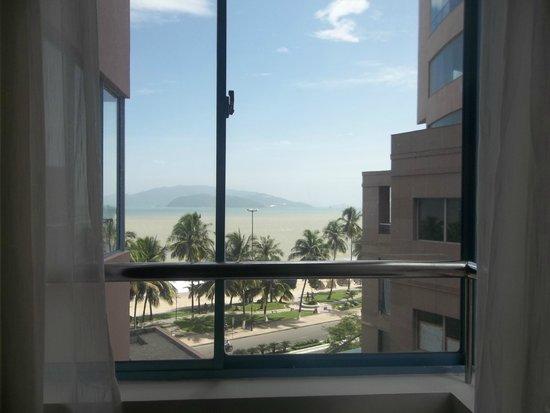 Yasaka Saigon Nha Trang Hotel: вид из номера