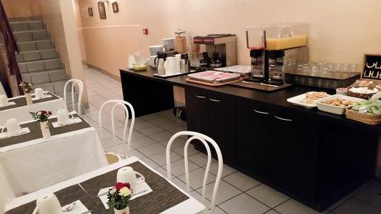 New Hotel Candide : Buffet petit déjeuner 2