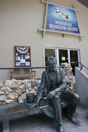 Gutzon Borglum Historical Center : Bronze President Lincoln