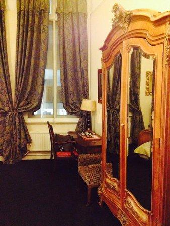 The Racquet Club Hotel & Ziba Restaurant: Room pics