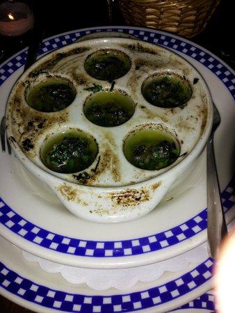 Le Bateau Ivre: Escargot in garlic butter