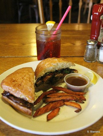 La Grange Cafe : Portobello mushroom sandwich and sweet potato fries