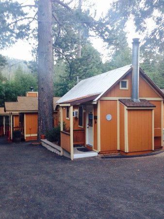 Sleepy Hollow Cabins and Hotel: Cabins