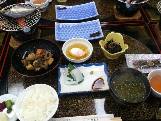 Hotel Meyurara: 朝食