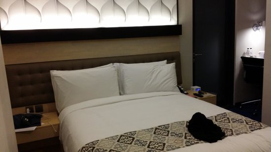 Holiday Inn Express Jakarta Thamrin: Overview of the room