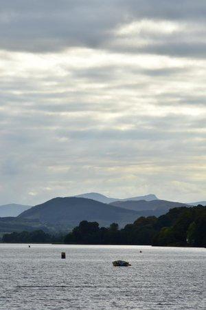 Bryn Tegid: Lake view early