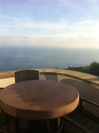 Agroturismo Maddiola: vue de la terrasse sur la baie de San Sebastien