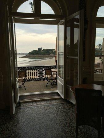 Villa Reine Hortense : Terrasse mit Ausblick