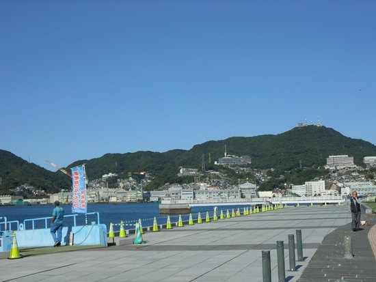 Nagasaki Seaside Park: 稲佐山も近くに