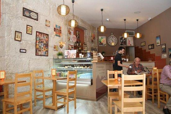 The Traveller Caffé: Cafe's interior