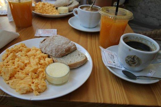 The Traveller Caffé: Breakfast set