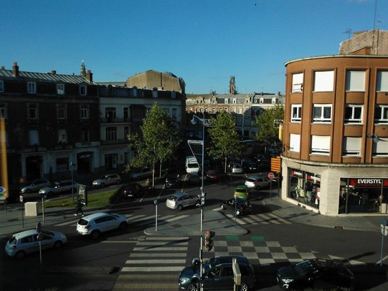 Hôtel Mercure Arras Centre Gare : view from room 203 - front of hotel facing the city centre