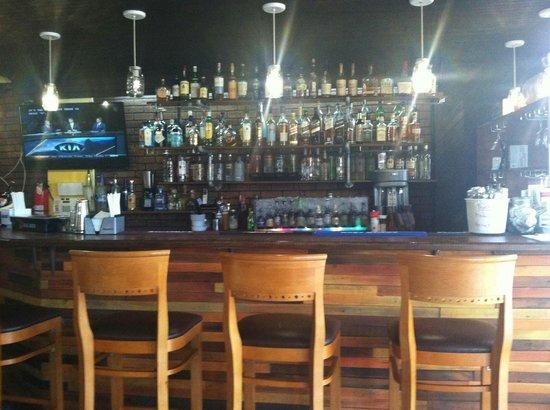 Smoke House BBQ : Bar area
