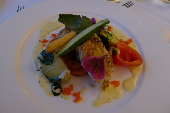 Ritzlerhof Selfness & Genuss Hotel: Main Course - Fish with fresh vegetables and saffron sauce