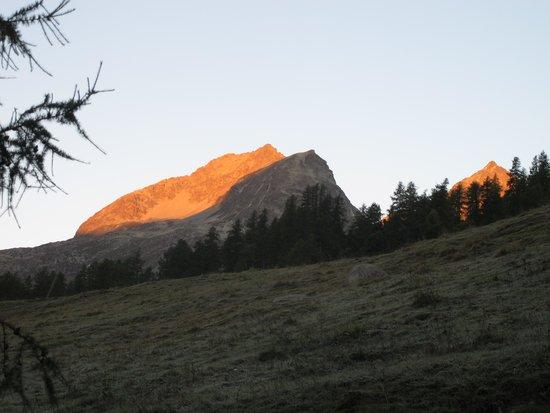 Hotel Nolda: vue sur les montagnes de la chambre