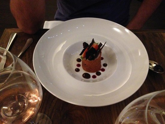 L'Ardoise: Chocolate and berries