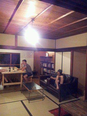 Yuzan Guesthouse: Salle de repos, et salle à manger