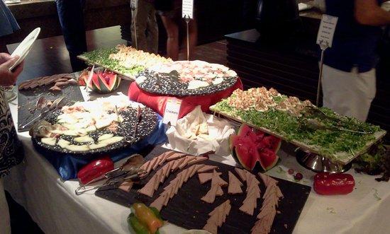 Elba Carlota Beach and Convention Resort: Buffet sempre a sorpresa