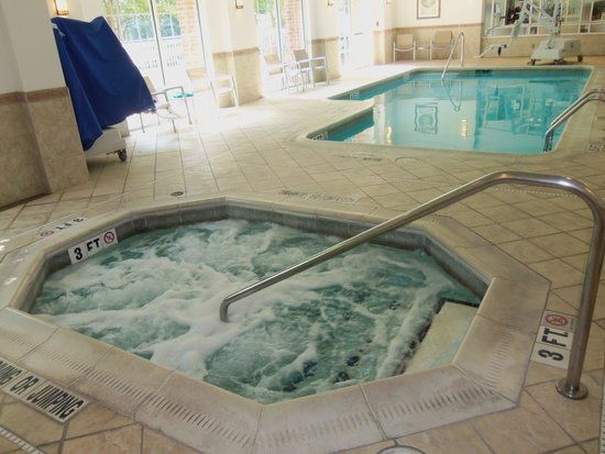 SpringHill Suites State College: Pool & Hot Tub