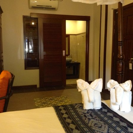 ANGGUN BOUTIQUE HOTEL: Door to Bathrrom