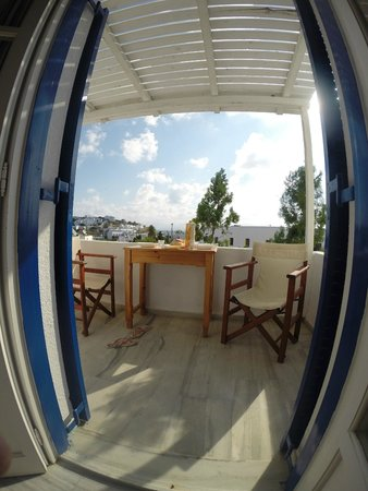Nicos Studios: terrasse