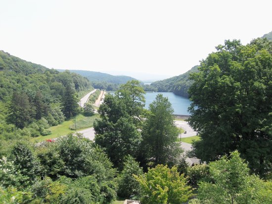 Horseshoe Curve National Historic Landmark : View from the top of the curve