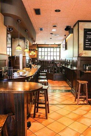 Restaurante cerveceria mandragora en san sebasti n con - Cocinas san sebastian ...