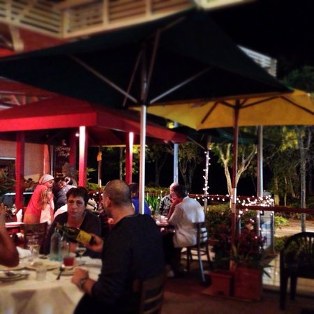 Krung Thep Thai Restaurant: Outdoor dining