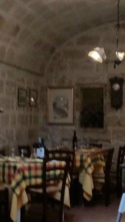 L'interno della Vecchia Taverna