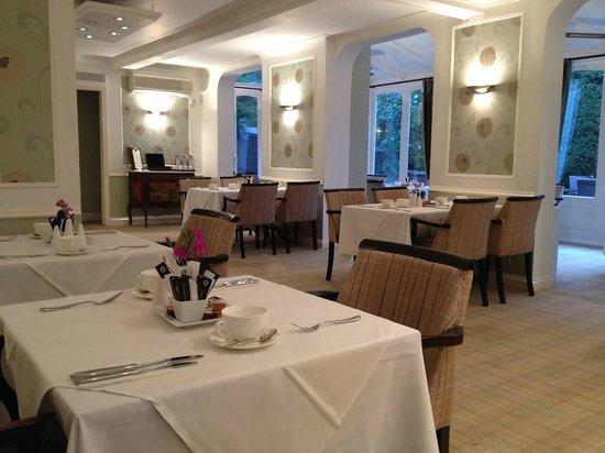 Falcon Hotel: Restaurant