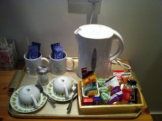 Chestnuts B&B: Hot drinks and snacks!