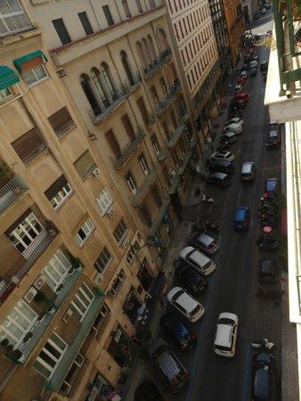 Hotel Ariston: de manhã... a rua