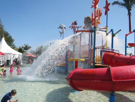 Oaks Oasis: Waterpark Fun