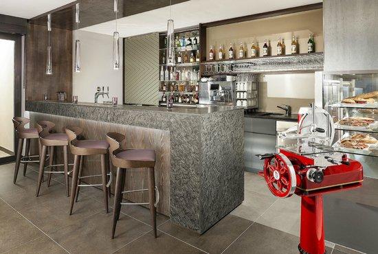 Café & Bar Nuovo