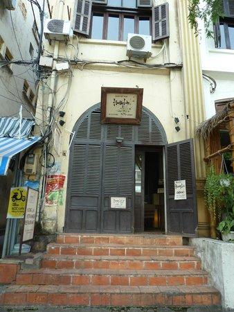Buitenkant Huong Lai restaurant