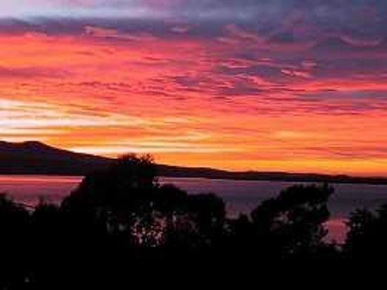 Adobe Mudbrick Holiday Flats: Sunrise