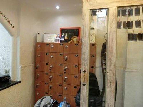 Hotel Biz Jongno Insadong: フロントセキュリティーボックス