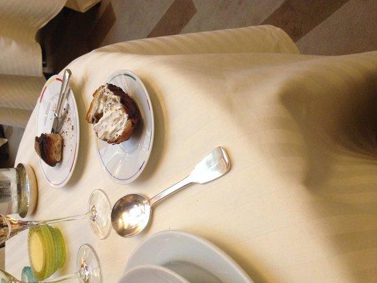 Restaurant Guy Savoy : Layered brioche