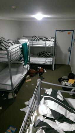 Nomads Byron Bay : 8 bed dorm