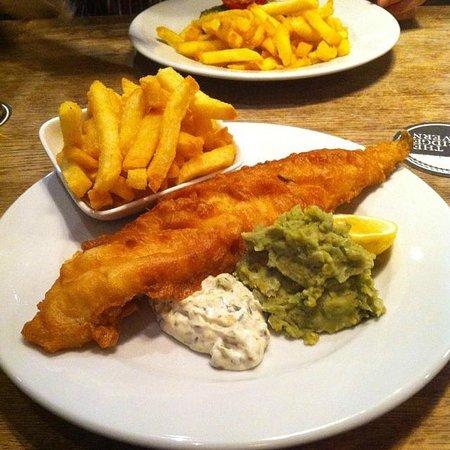 The Bridge Tavern: Fish & chips <3
