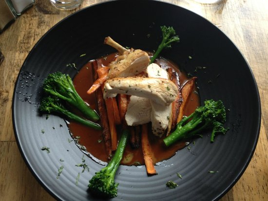 The Moody Boar Restaurant: Roast chicken, broccoli and sweet potato chips