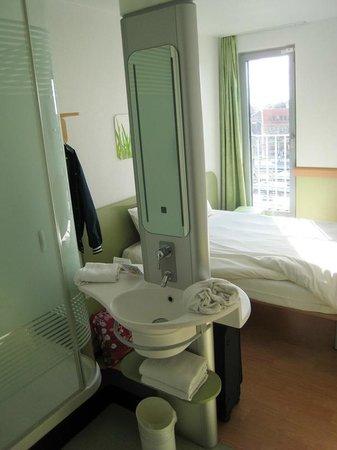 Hotel Ibis Budget Brugge Centrum Station : Номер